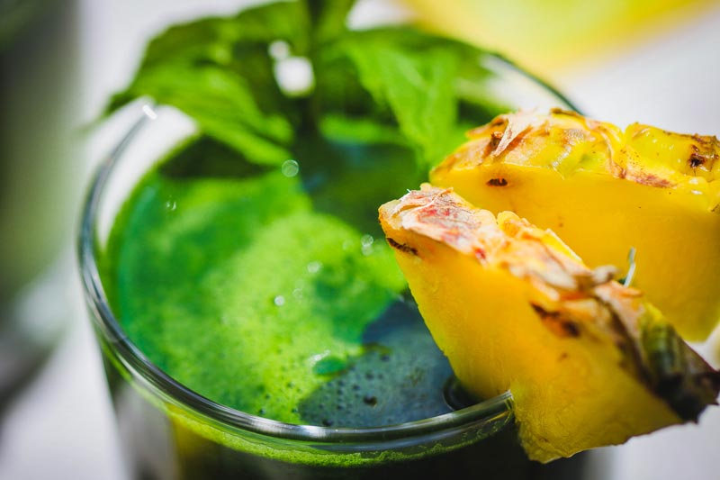 vegan pineapple green juice recipe